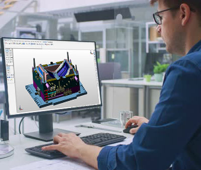 man-working-KeyCreator-software